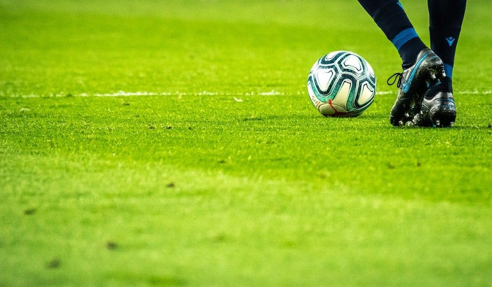 jak dobrze typować piłkę nożną